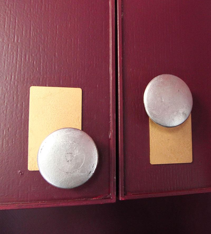 Vintage cabinet knobs